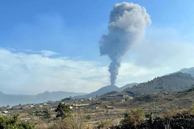 Le volcan Cumbre Vieja, à La Palma, aux Canaries, le 27 septembre 2021.