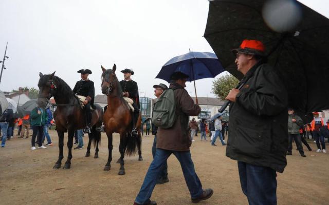 Preuve que ce mouvement va bien au-delà de la chasse, la présence de ces alguazils venus de Dax, Yannick Boutet et Denis Coll, pour la défense de la corrida.