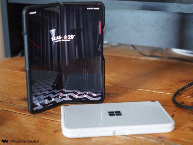 Galaxy Fold 3 Surface Duo Vs