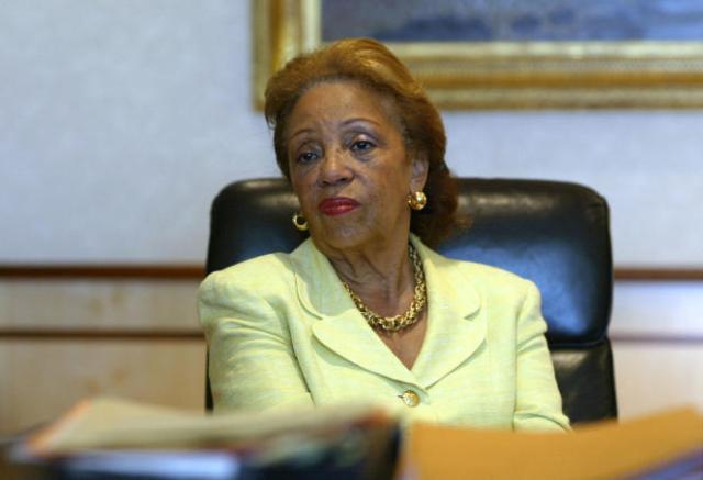 Lucette Michaux-Chevry lors d'une interview dans son bureau, à Basse-Terre, en Guadeloupe, en 2003.