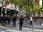 Les forces de l'ordre près de la Préfecture. Photo Progrès/ Pierre DUJOL