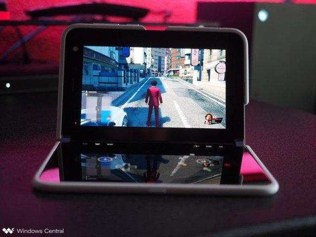 Surface Duo Gaming Yakuza Lad