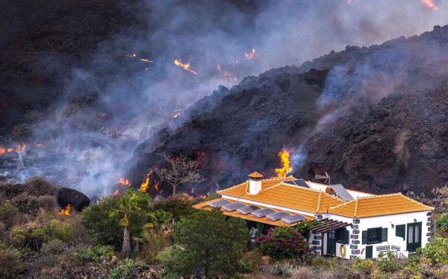 Les coulées de lave du Cumbre Vieja, à La Palma, n'ont fait aucune victime humaine, mais ont déjà causé des dégâts considérables. REUTERS/I Love The Wordl/Alfonso Escalero
