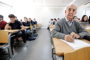 Nonno Miguel parte per l'Erasmus a ottant'anni