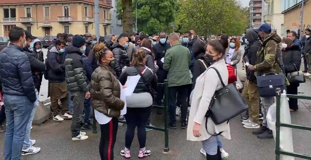 Protesta dei migranti a Torino