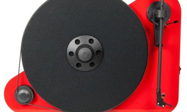 Moderne Zeiten: Es hängt ein Bluetooth-Plattenspieler an der Wand