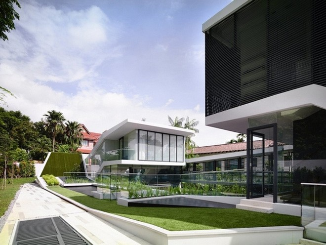 Spectacular Andrew Road House In Singapore