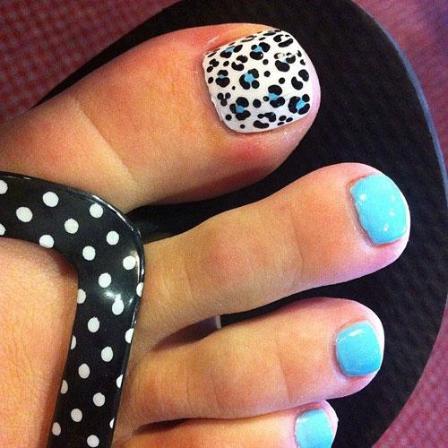 Toe nail art design