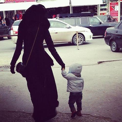 Beautful Hijab Girls With Their Cute Kids