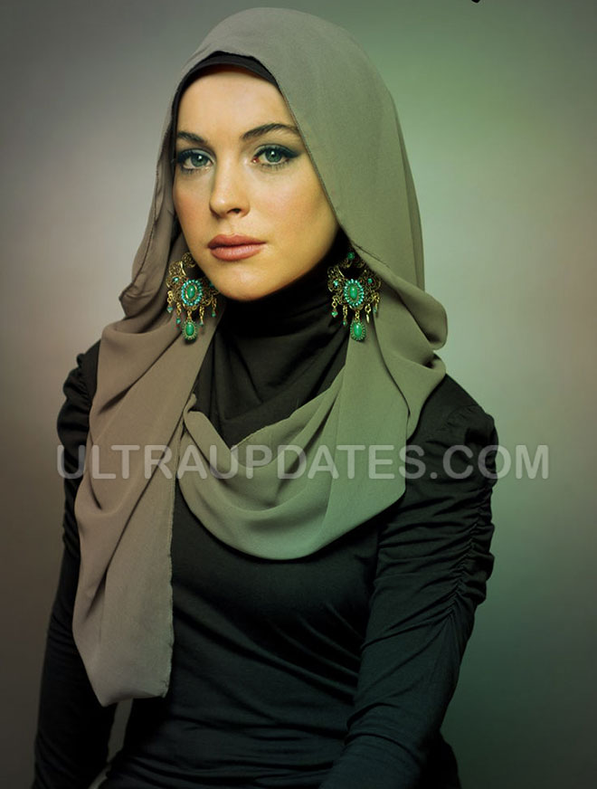hollywood female celebs Lindsay Lohan in Hijab