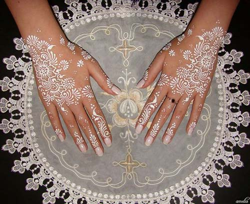 white Beautiful Henna Mehndi Designs For Hands For Inspiration
