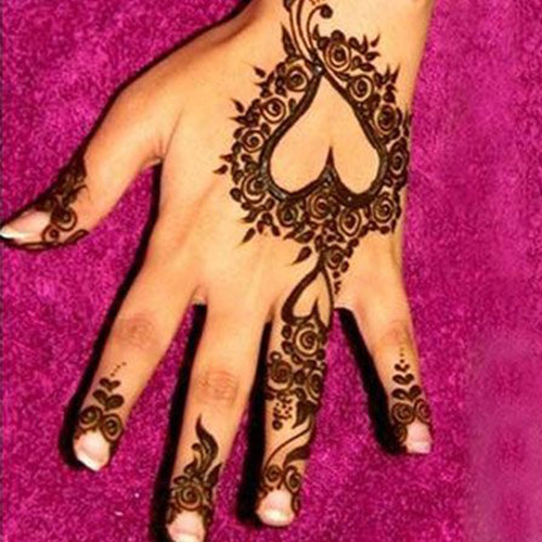 simple henna heart shaped designs for hands