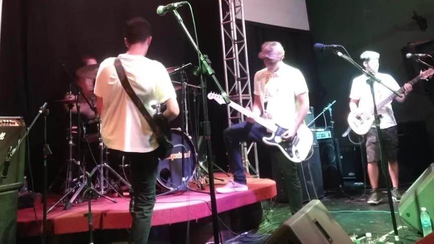 Hadezi (1) Alternativo Rock Club Rock Experience