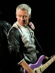Adam durante um show em 1º de outubro de 2009