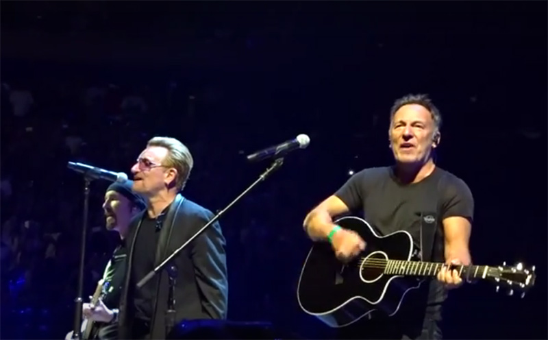 U2 in New york special guest Bruce Springsteen