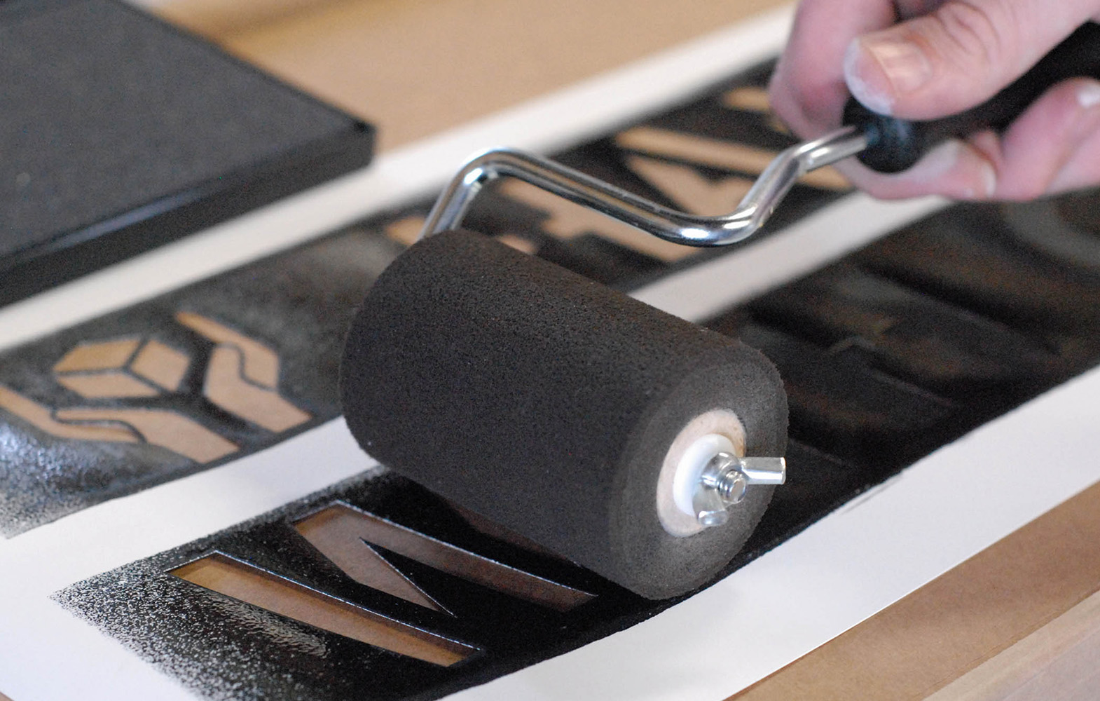 ST24 Electronic Stencil Cutter