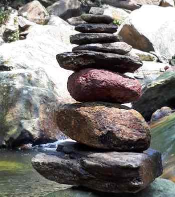 Pedras pelo caminho