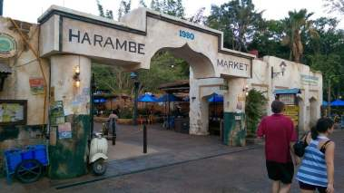 Um bilhete, por favor. Harambe Market é inaugurado no Animal Kingdom 1