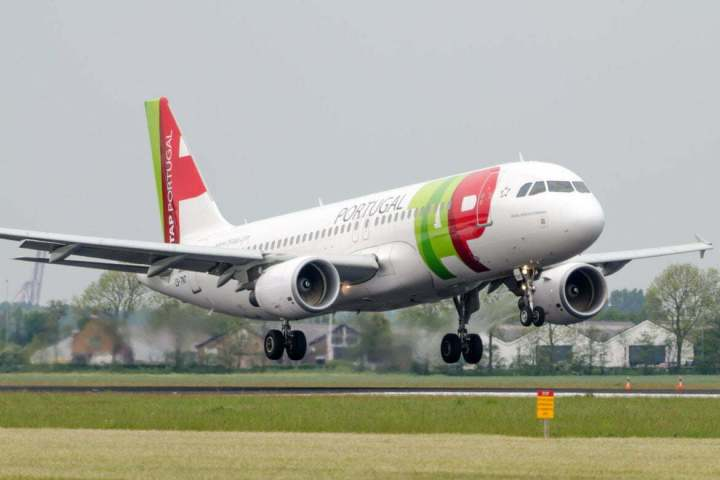 tap_portugal_airbus_a320_214_by_sliverfoxnl-d511a6l