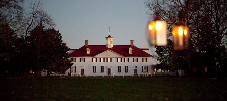 mount-vernon-estate-by-candlelight-in-winter_credit-mt-vernon