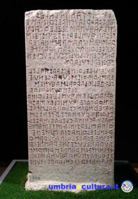 cippo di perugia scrittura etruschi