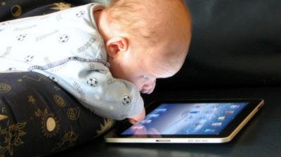 bambini e tablet ipad