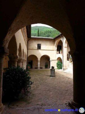 san-pietro-in-valle-chiostro