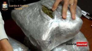 Finanza arresta nigeriana con oltre 5 chilogrammi di droga (3)
