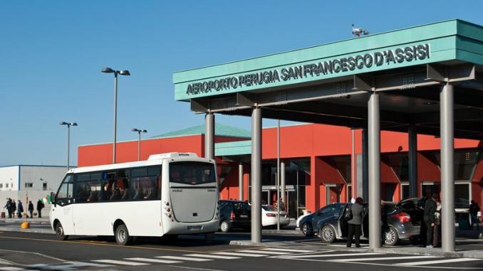 Aeroporto, cambiano prezzi parcheggio auto e orario gratuito