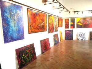 Le opere di Isabelle Salari in mostra alla galleria Le Logge di Assisi