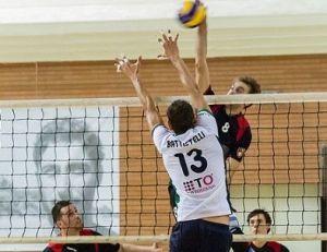 Daniele Servettini attacca