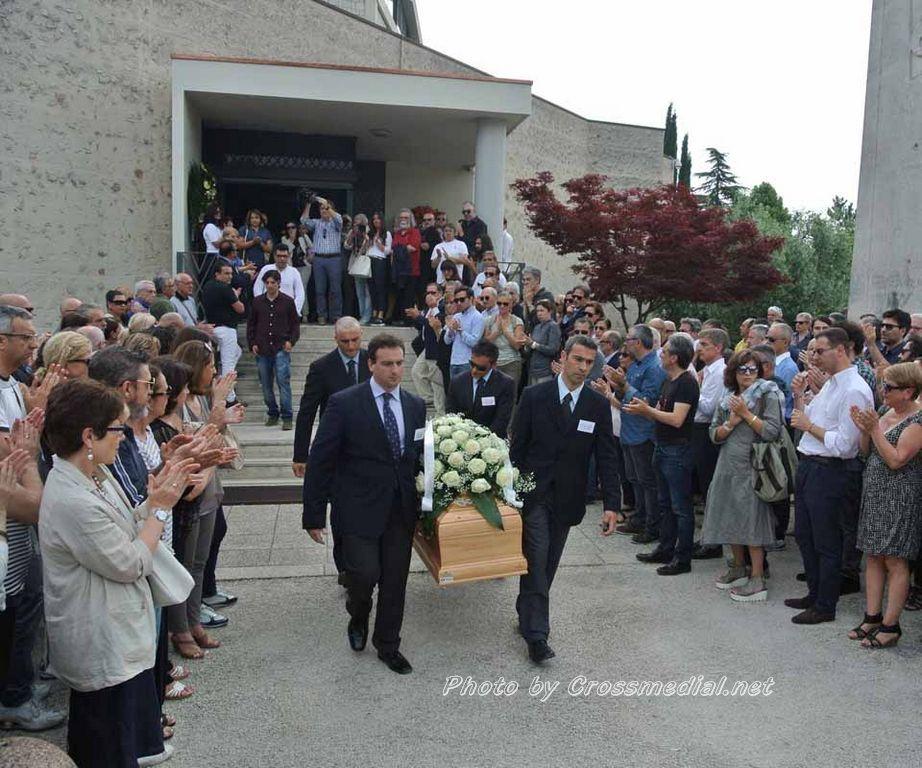 Funerali Sergio Piazzoli - con presenza Patrizia Marcagnani (22)