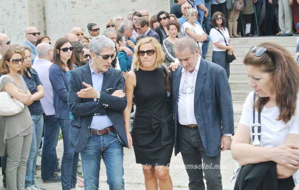 Funerali Sergio Piazzoli - con presenza Patrizia Marcagnani (28)