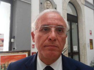 Il sindaco di Terni, Leopoldo Di Girolamo, annuncia le dimissioni, dopo il voto sul dissesto