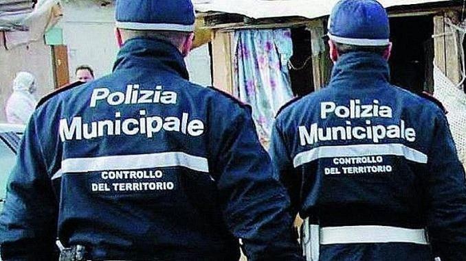 Controlli antialcol: polizia municipale ritira due patenti