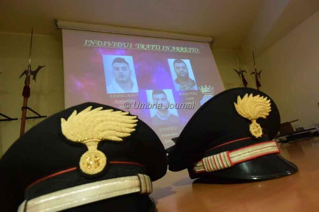 carabinieri citta' dellapieve arresti spacciatori