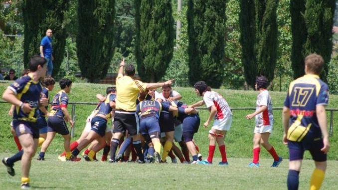 Barton Cus Perugia Under 16. Buona prestazione della Barton Rugby Perugia che ha superato l' Amatori Parma per 10-7
