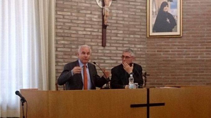 Incontro delegati umbri al convegno di Firenze 2015 a Collevalenza. il vescovo Domenico Cancian e il direttore Marco Tarquinio