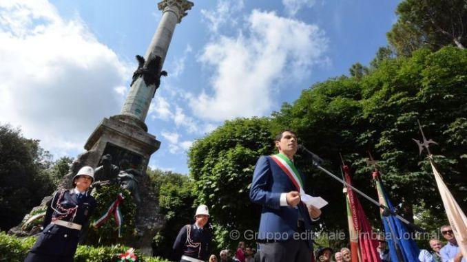 """Monumento stragi XX Giugno, Perari (FI): """"Dare giusta dignità"""""""