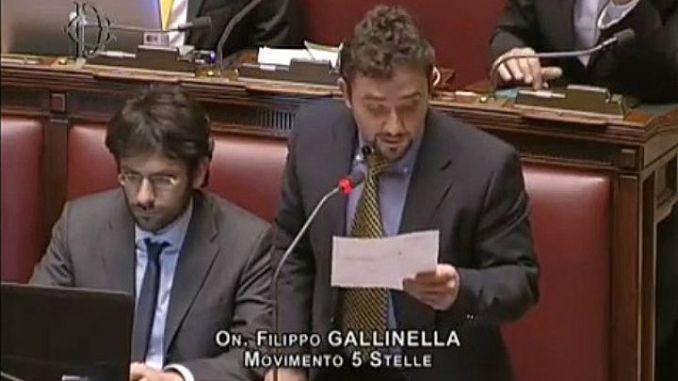 Filippo Gallinella anche oggi solo chiacchiere da bar sui 5 stelle
