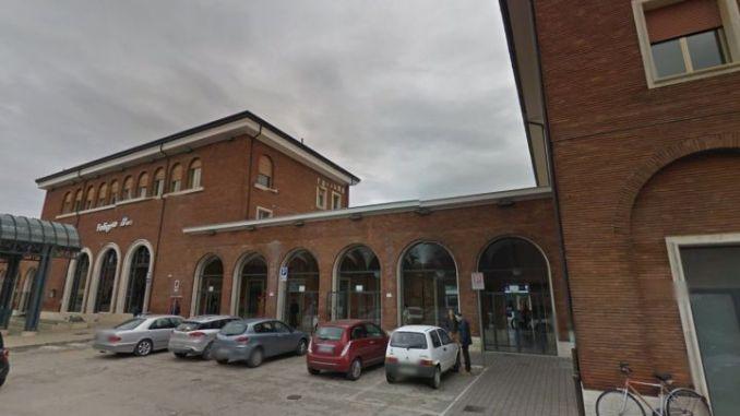 Taxi abusivi alla stazione di Foligno, settemila euro di multa a due uomini