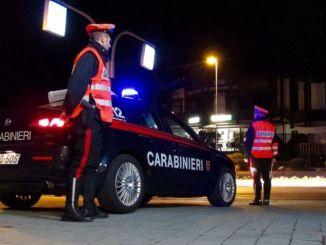 Ubriaco provoca incidente, carabinieri lo denunciano