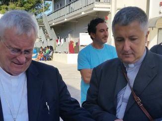 Il Cardinale Bassetti in visita a Lampedusa
