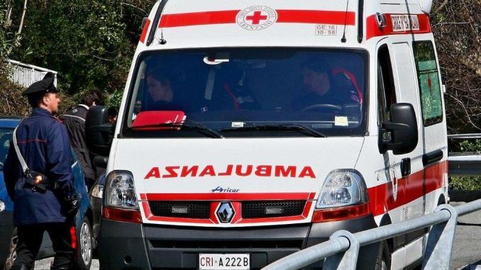 Incidente stradale Perugia, scontro auto e furgone muore una donna