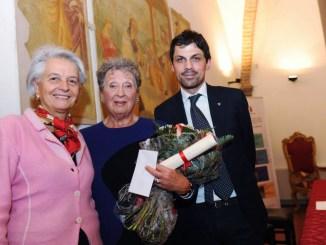 Baiocco d'oro a Perugia consegnato all'artista Maria Elisa Leboroni