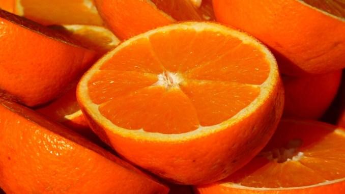 Frutta e verdura irregolari Lega Nord Umbria fa esposto a Terni