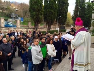 Serafico Assisi, il vescovo apre l'Atrio Santo
