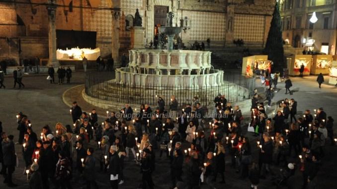 Marcia silenziosa per ricordare donne vittime di violenza
