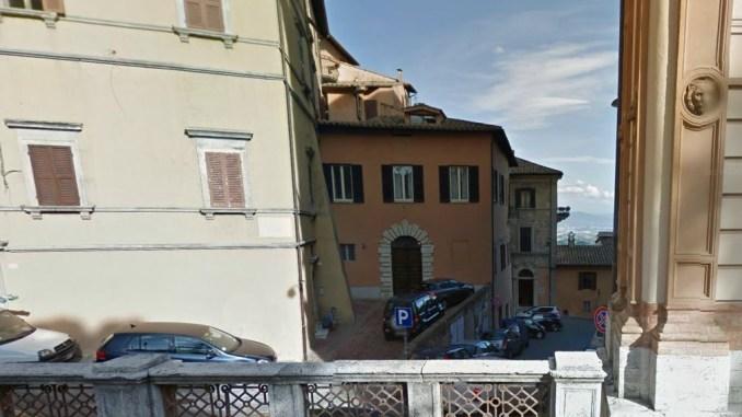 Sosta selvaggia Perugia, centro storico in sofferenza