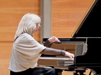 Sabrina Lanzi in concerto al Teatro Cucinelli